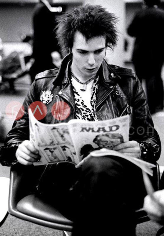 Sex Pistols (Sid Vicious) by Allan Ballard by Rockarchive Music ...